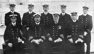 02 - Titanic was commanded by these men
